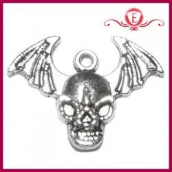 Zawieszka charms czaszka