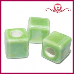 Koraliki ceramiczne kostki lustrzane zielone