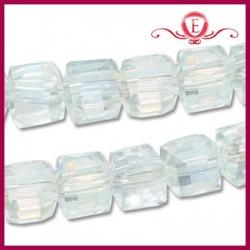 Koraliki szklane kostki fasetowane